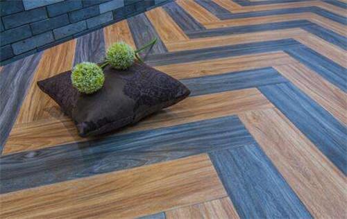 瓷砖和实木复合地板哪个好?四个方面对比明显
