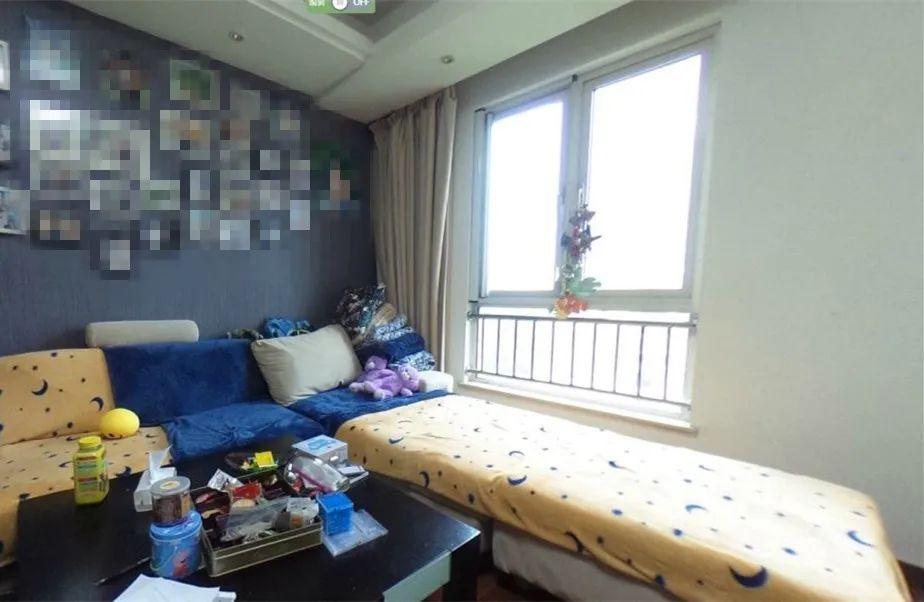 余玮_金鼎湾花园135㎡轻奢风格--老房升级改造,前后对比大变样!04客厅·改造前