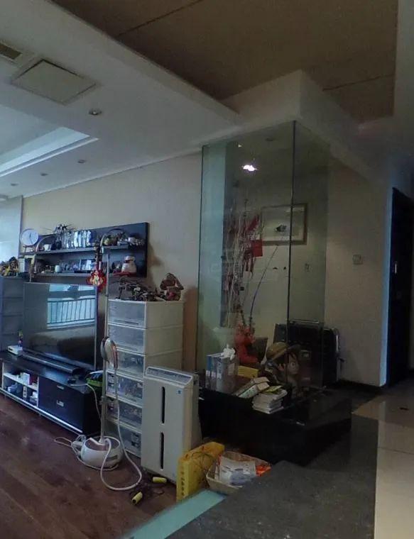 余玮_金鼎湾花园135㎡轻奢风格--老房升级改造,前后对比大变样!05客厅·改造前