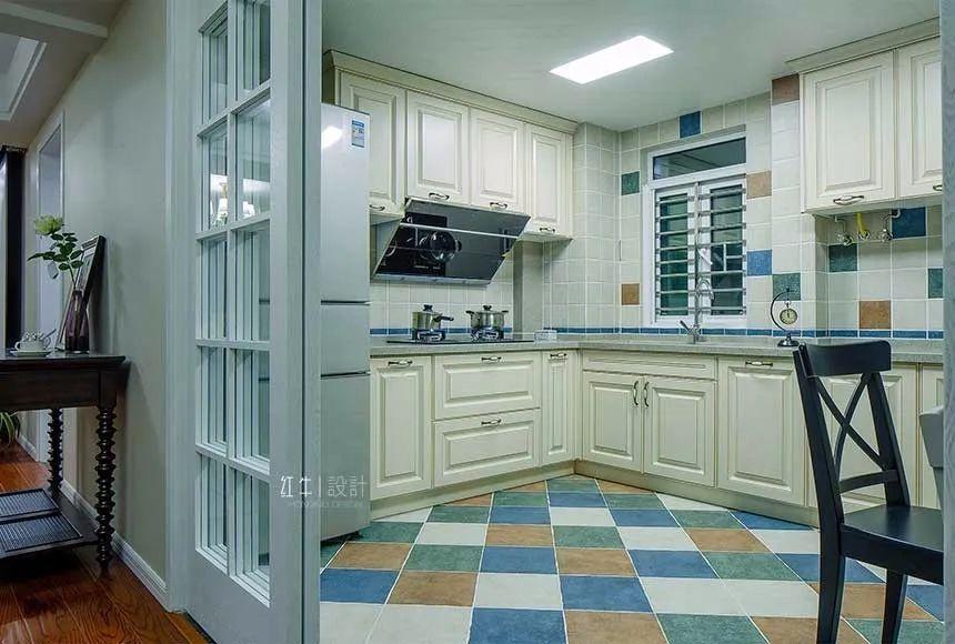 冰箱不一定要在厨房,放这两处更适合小户型!